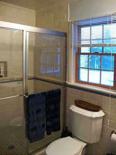 395bathroom1